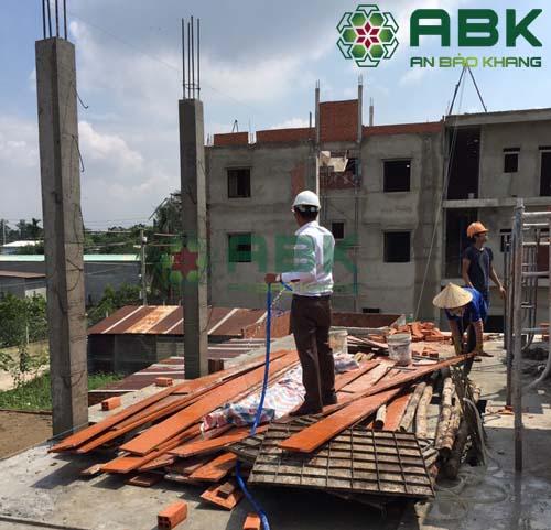 Xây dựng nhà 3 tầng nhà anh Lực Quận 12