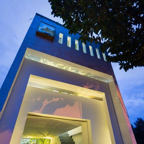 Ngắm nhìn ngôi nhà ngói mang nét đẹp cổ kính mà phóng khoáng