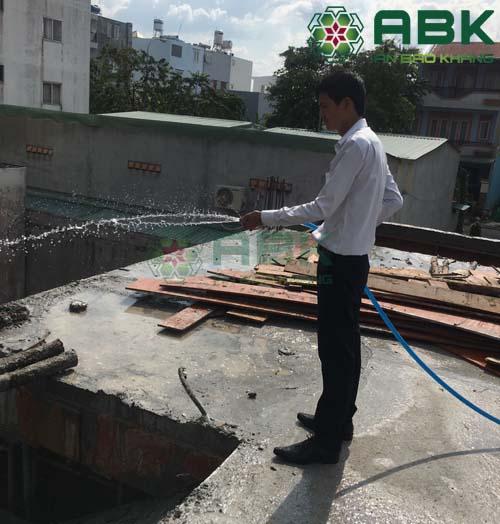 Bảo dưỡng bê tông sàn