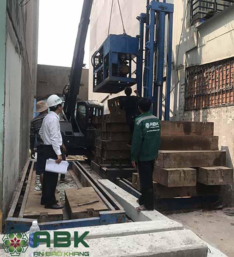 Xây nhà phố 4 tầng nhà anh Minh Tân Bình.