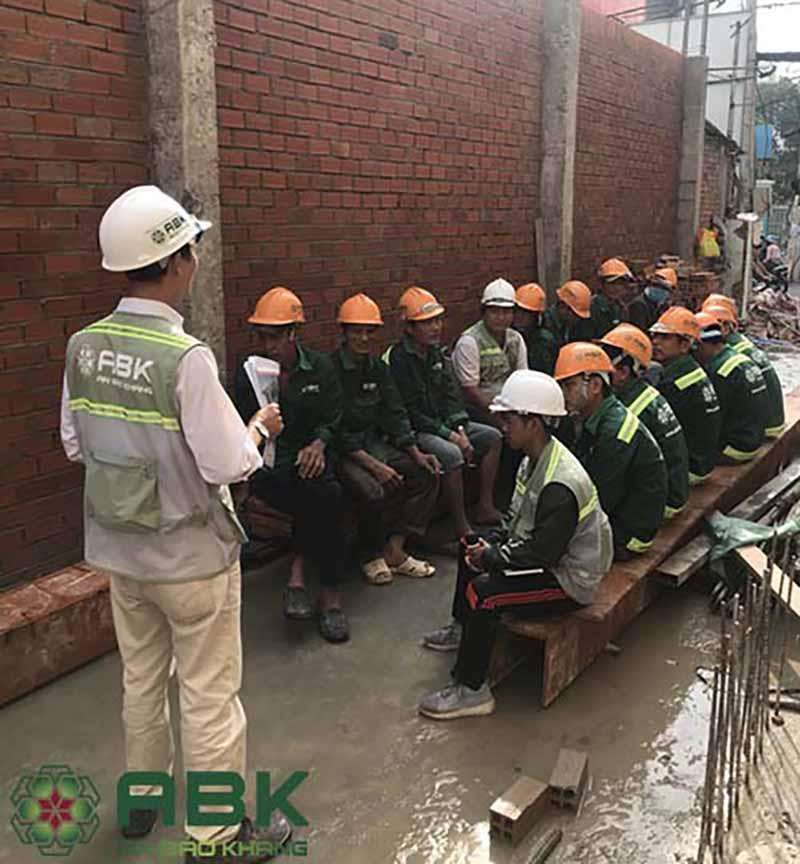 Thi công nhà 5 tầng chú Luân Tân Bình