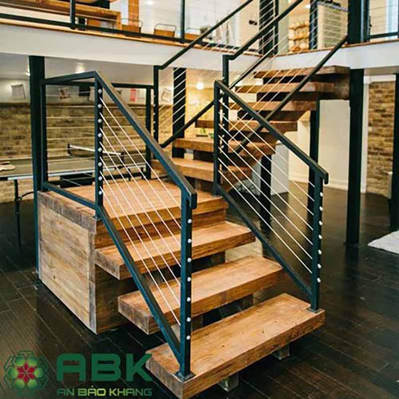 Cầu thang gỗ khung sắc tay vịn chắc chắn