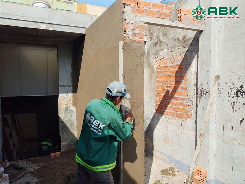 Thi công trát tường nhà