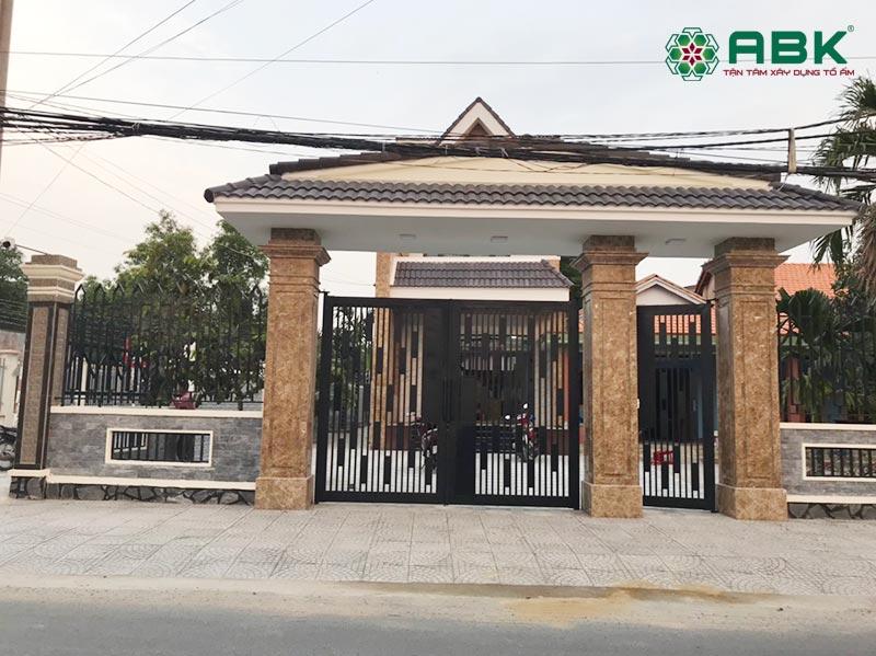 Cổng ngôi nhà chi Mỹ tại Đồng Nai