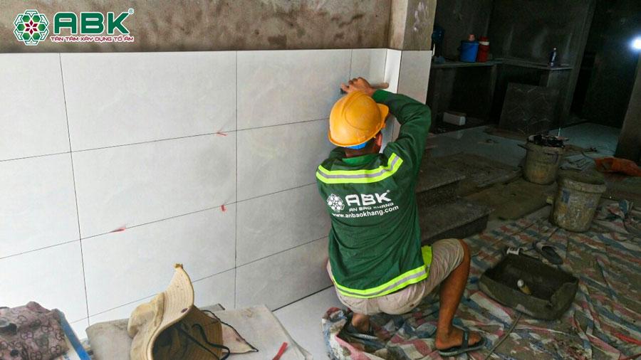 Thi công xây nhà 2 tầng nhà chị Linh tại Quận 7