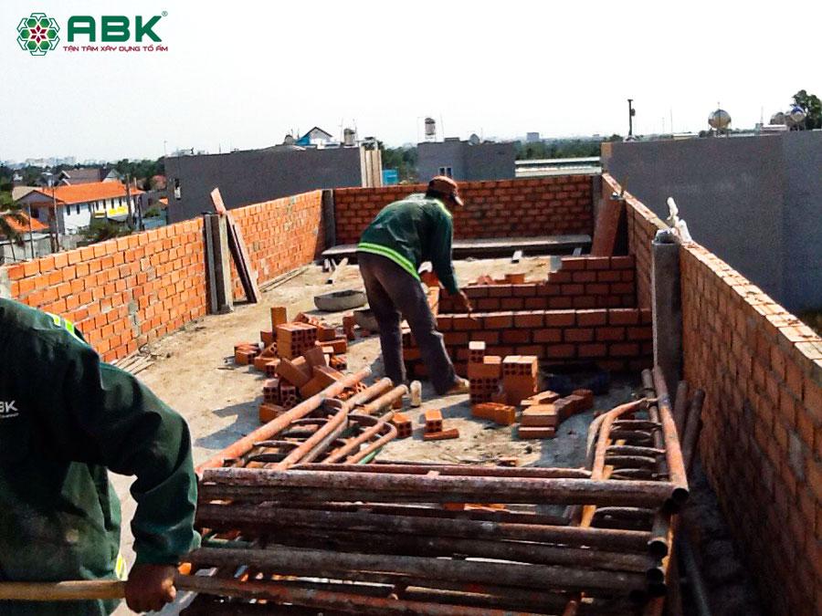 Hình ảnh thi công xây nhà chú Quốc tại Quận 4