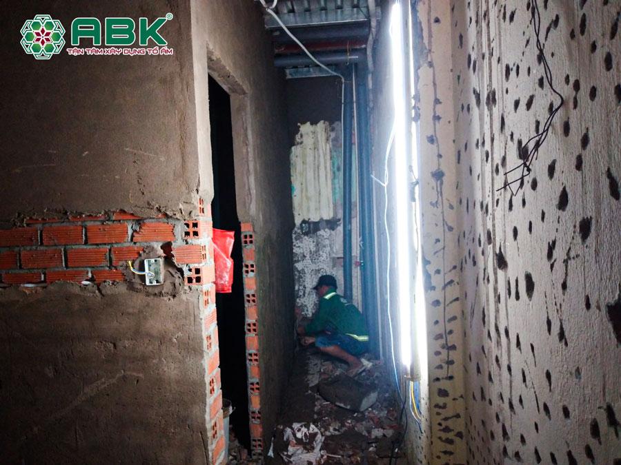 Thi công xây tô phòng ngủ tầng trệt nhà anh Tuấn quận 12