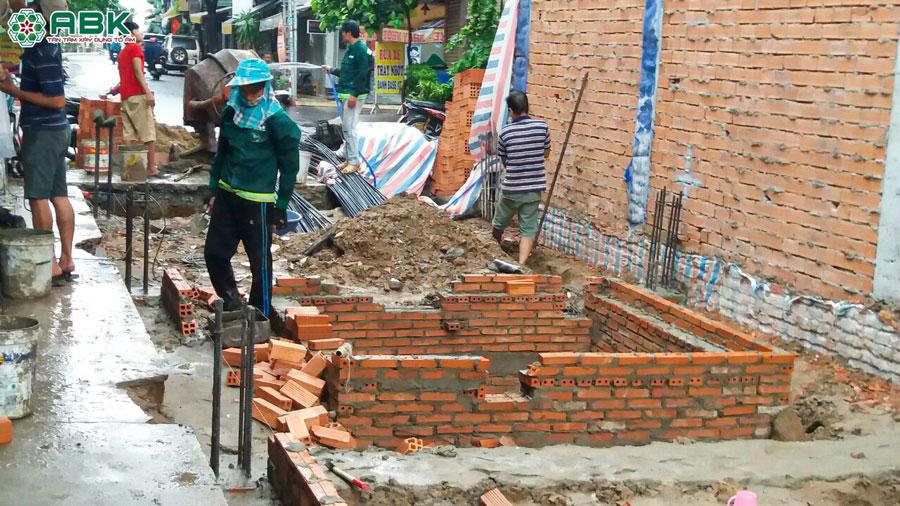 Thi công xây tường vây nhà anh Dũng Quận Tân Phú