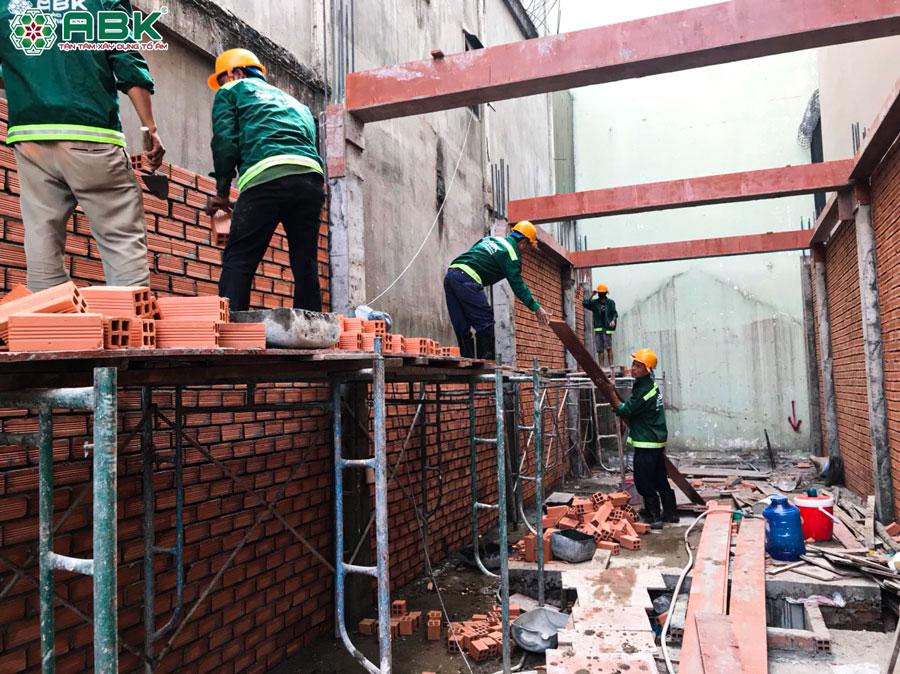 Thi công xây dựng các tầng nhà chị Huyền Quận 8